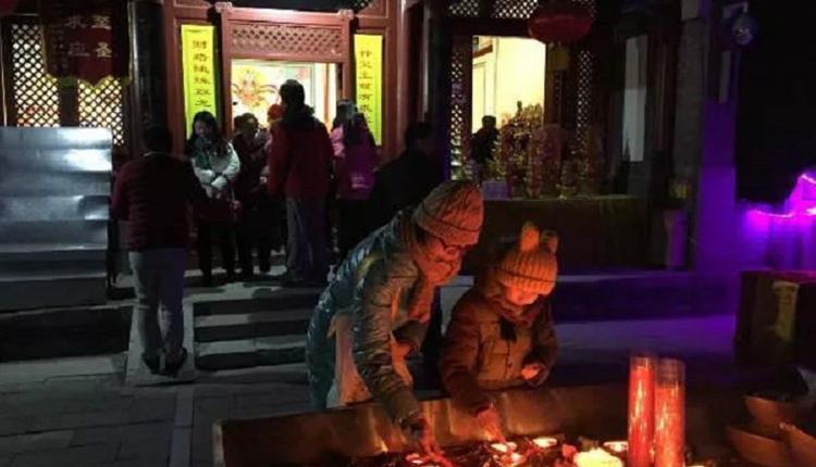 北京戒台寺往年的祈福活动