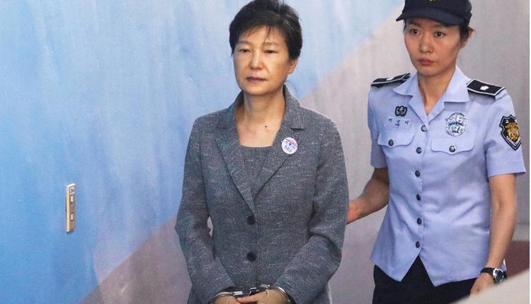 被捕入狱的韩国前总统朴槿惠