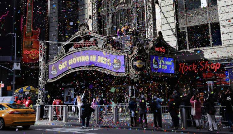 纽约时代广场五彩纸屑测试(图片来源:Cindy Ord/Getty Images)