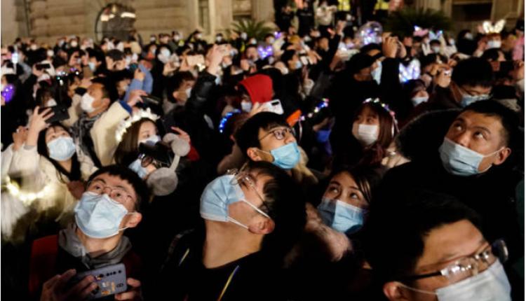 武汉民众庆祝2021年的到来