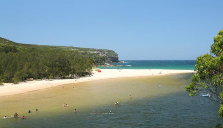 位于皇家国家公园的Wattamolla海滩