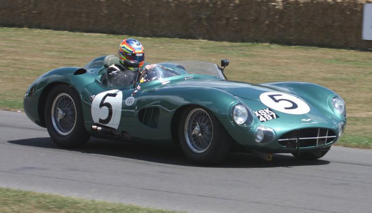 阿斯顿·马丁凭借其DBR1 / 300模型赢得了冠军
