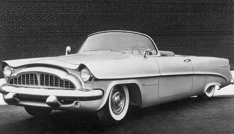 1954年版帕卡德美洲豹敞篷车。