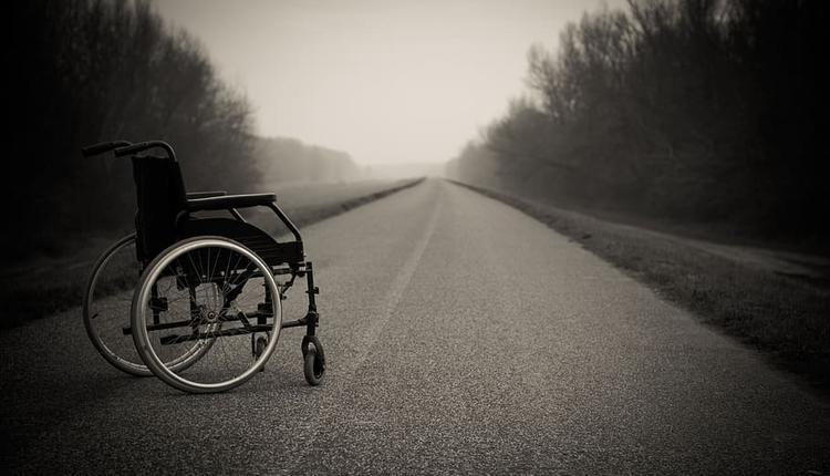 长者 老人轮椅 护理 (图片来源:Piqsels)