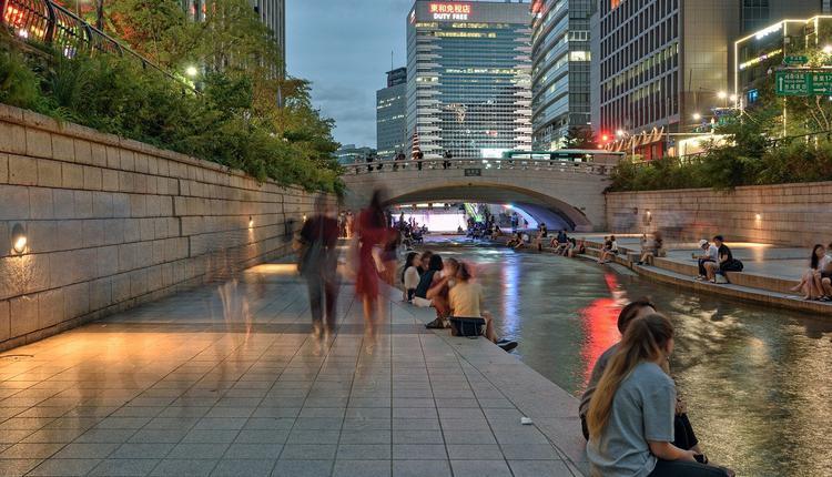 首尔清溪川夜景