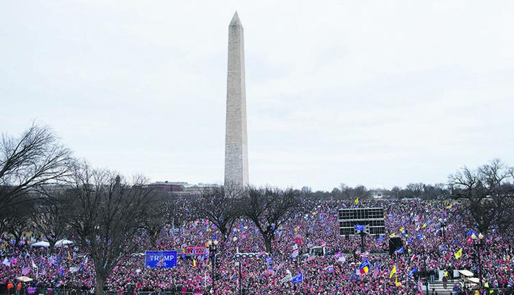 2021年1月6日,参加支持川普的集会的民众