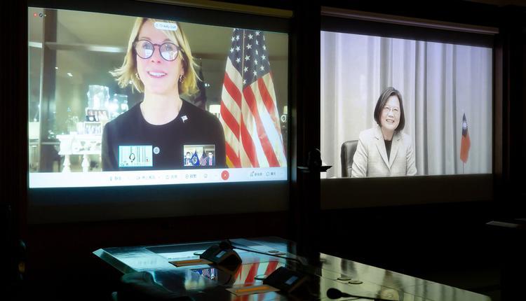 美国驻联合国大使克拉夫特与台湾总统蔡英文视讯对话