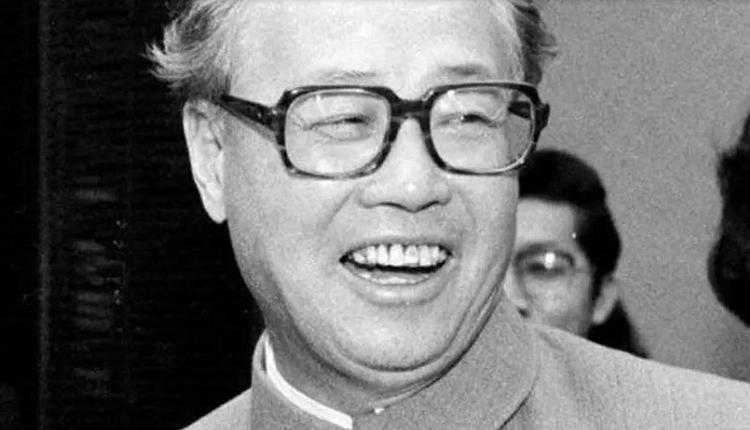 逝世16年仍被监控 赵紫阳家属孤身祭拜