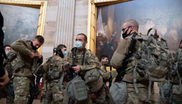 国民警卫队1月13日在国会大厦