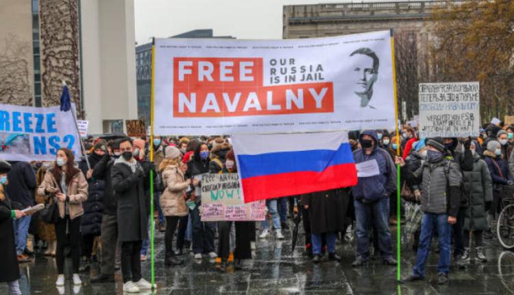 俄罗斯民众抗议当局抓捕纳瓦尔尼