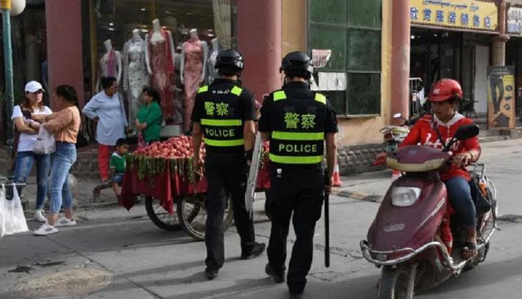 英媒称多名新疆妇女在被关押期间性侵 中方称诋毁