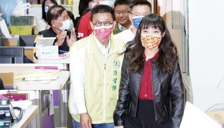 无党籍高雄市议员黄捷