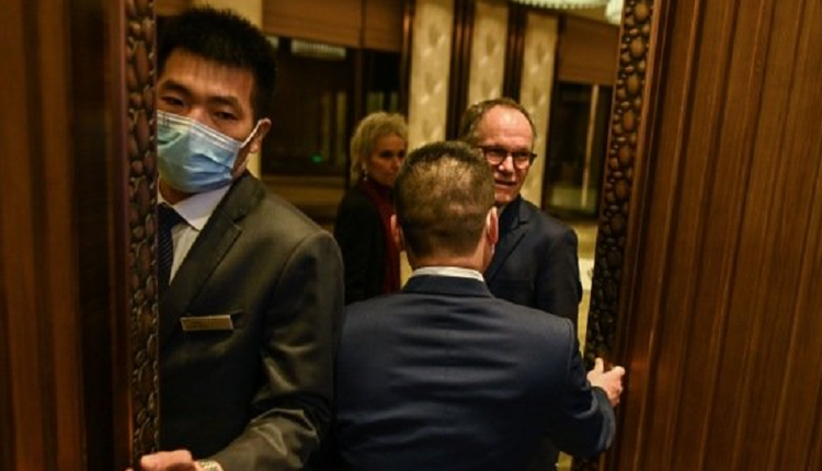 世卫专家组称 在疫情爆发初期武汉逾千人染疫