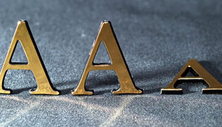 债务违约,AAA评级倒台