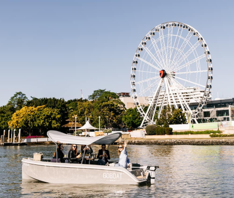 布里斯本河上野餐Go boat
