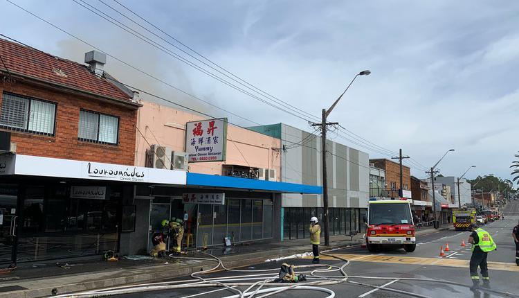 位于悉尼Beverly Hills区的一间餐馆发生火灾