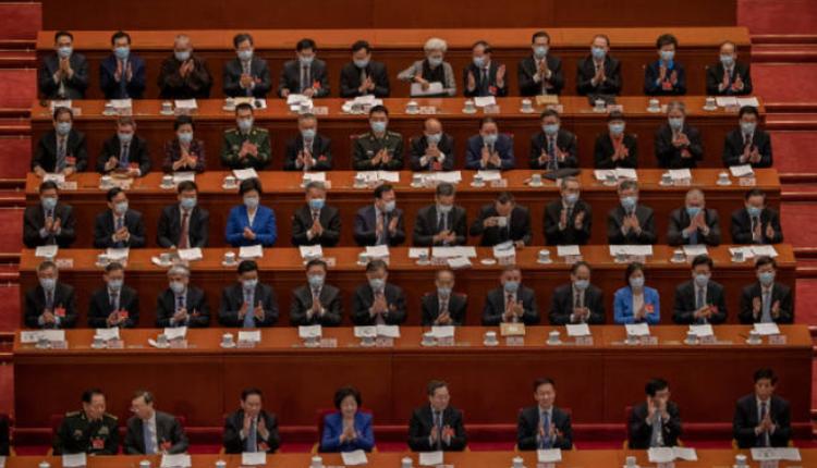 在北京开两会的代表们