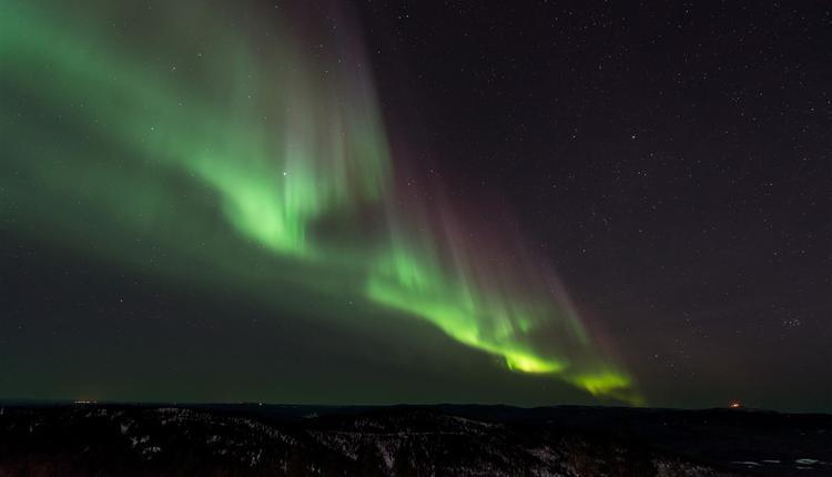 图为芬兰极光。
