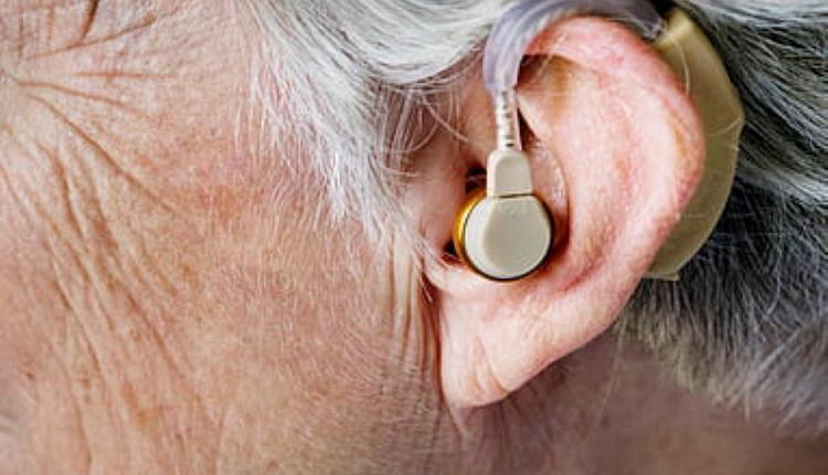 听力 助听器 老人听力问题
