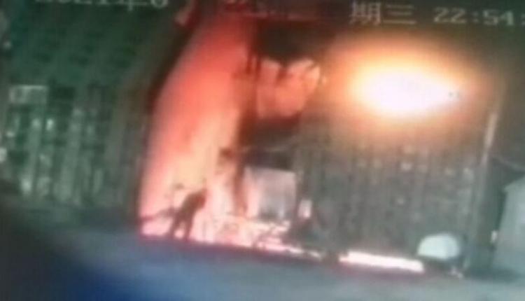 包钢职工跳进炼钢炉自杀
