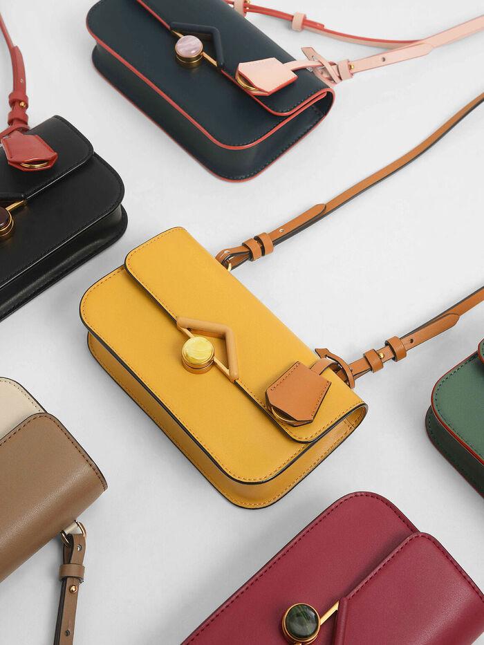 石頭斜挎包Stone Embellished Crossbody Bag
