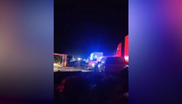 沈海高速江苏盐城段发生严重车祸11死、19伤
