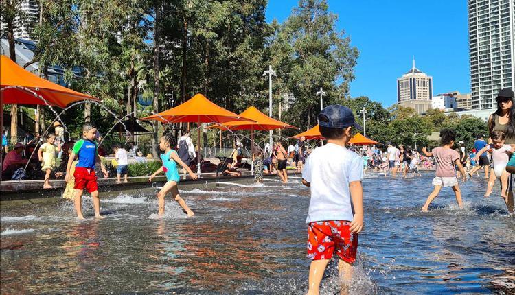 悉尼 达令港 儿童 游泳 玩水