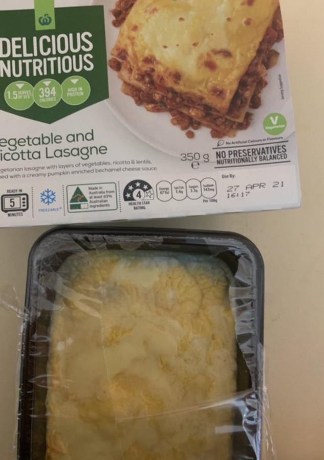 Woolworths超市自有品牌的蔬菜和意大利干酪千层饼