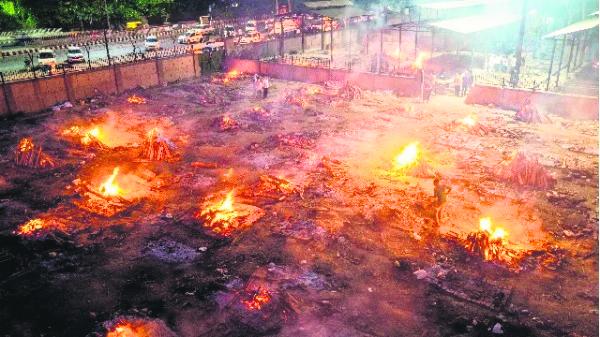 印度 疫情,焚烧
