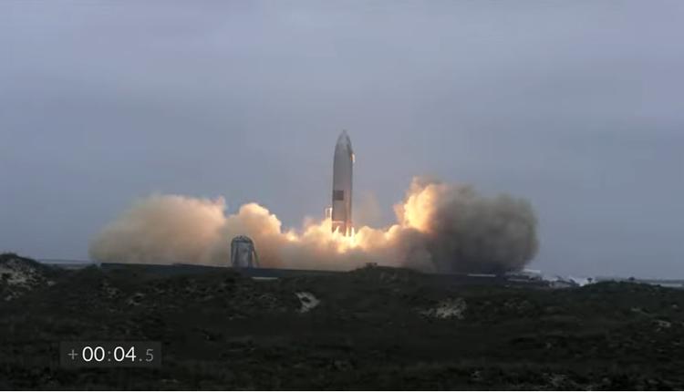 """""""星舰""""(Starship)载人火箭成功降落"""