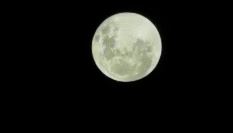 墨尔本2021年4月份的超级月亮