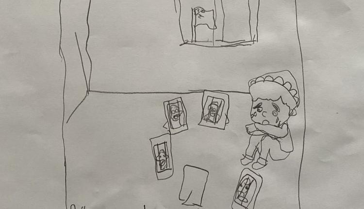 家中大人全被关进集中营的男孩开斋节独坐家中哭泣。