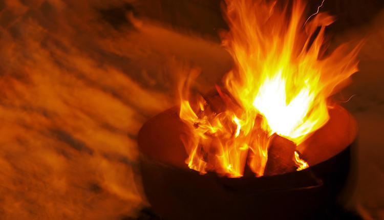 锅着火,炒菜
