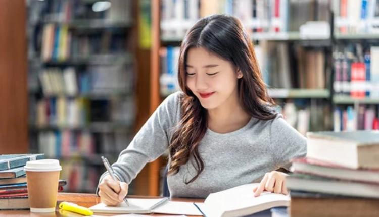 留学生,大学生,上课,读书,写作业