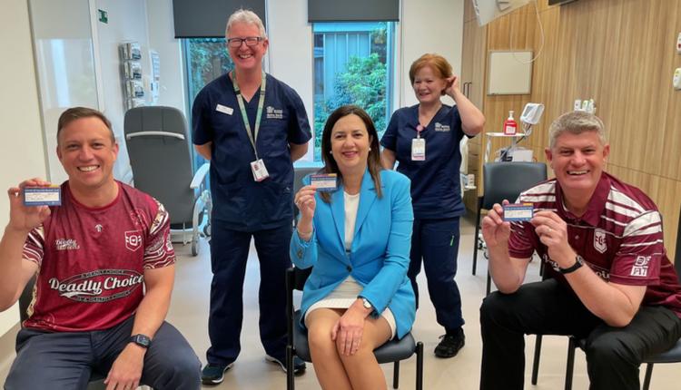 昆州州长接种首剂辉瑞公司的Covid-19疫苗
