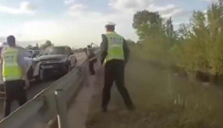 男子在包茂高速逆向行驶冲撞警车