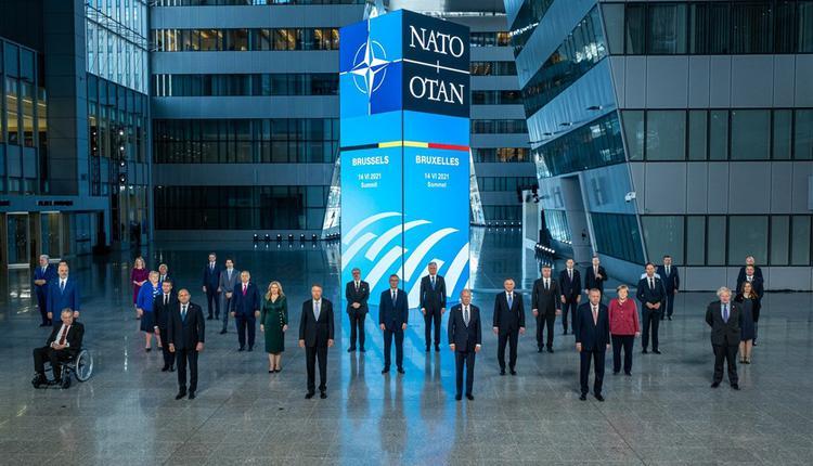 北约30成员国14日在比利时首都布鲁塞尔召开领袖峰会。
