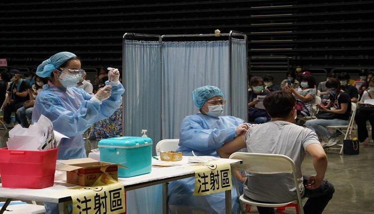 民众接种疫苗