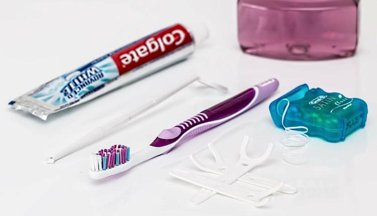 口腔卫生 牙刷牙膏牙线