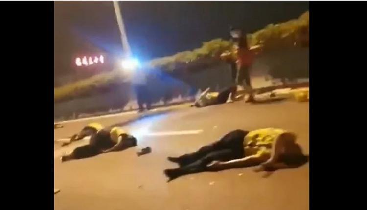 福州高速有司机撞翻多名交警 现场血腥恐怖
