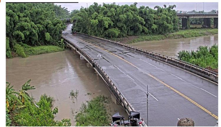高市大雨滂沱水位急涨