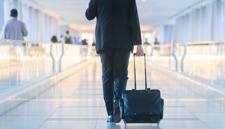 商务旅行,机场,旅行箱