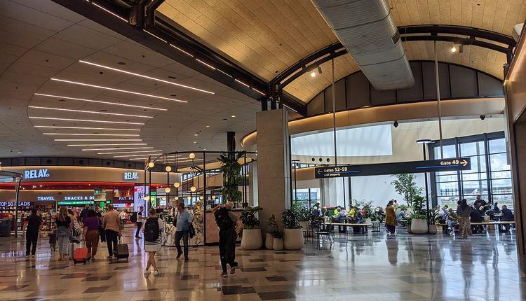悉尼机场T2