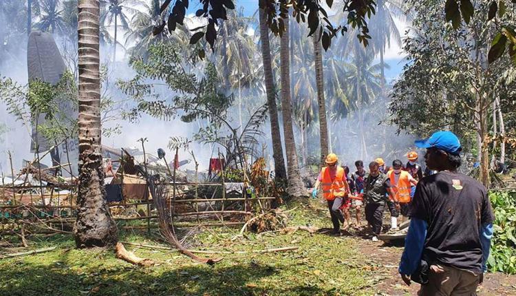 菲律宾空军一架载有96人的运输机4日坠毁,死亡人数5日攀升至52人。