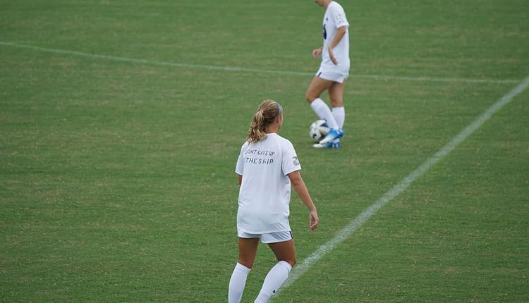 女足球运动员