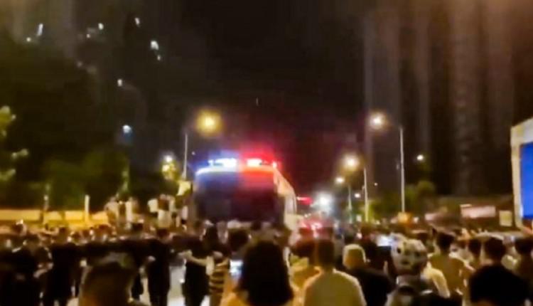 恒大金碧天下小区的数千名业主周三和保安和公安发生冲突