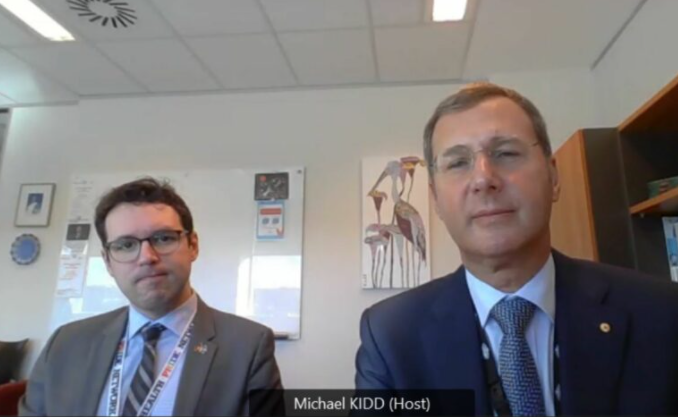 澳首席医疗官Michael Kidd、公共卫生专家Lucas de Toca博士