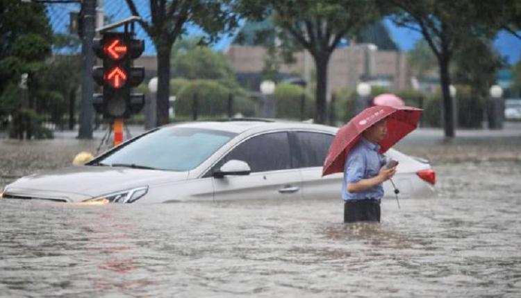 郑州洪灾,水灾,车被水淹