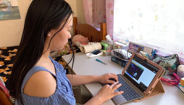 网课 远程 电脑 学生 澳洲