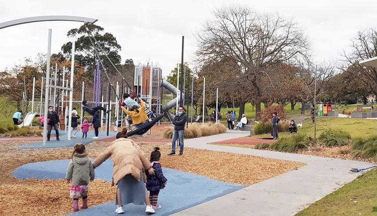 墨尔本疫情 墨尔本公园 孩子 儿童 澳洲